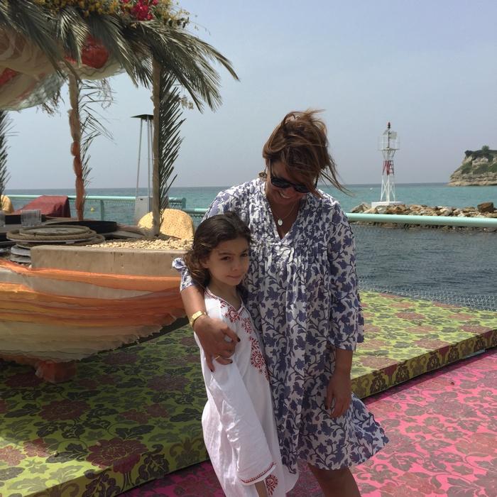 Στο Sani Beach Club έχουμε οργανώσει τα πιο διασκεδαστικά προγράμματα για όλη την οικογένεια. Για τα παιδιά όμως που αγαπούν να κάνουν φίλους και παρέες μεταξύ τους, έχουμε φροντίσει να δημιουργήσουμε παιδικούς σταθμούς για όλες τις ηλικίες καθώς και προγράμματα για να είναι όσο πιο ευτυχισμένα γίνεται. Οι ειδικοί των παιδικών σταθμών μάλιστα, είναι από τη Μεγάλη Βρεττανία, από την Worldwide Kids Company (πρώην PB Kids). Έτσι κι εσείς θα μπορέσετε να απολαύσετε μοναδικές στιγμές χαλάρωσης.