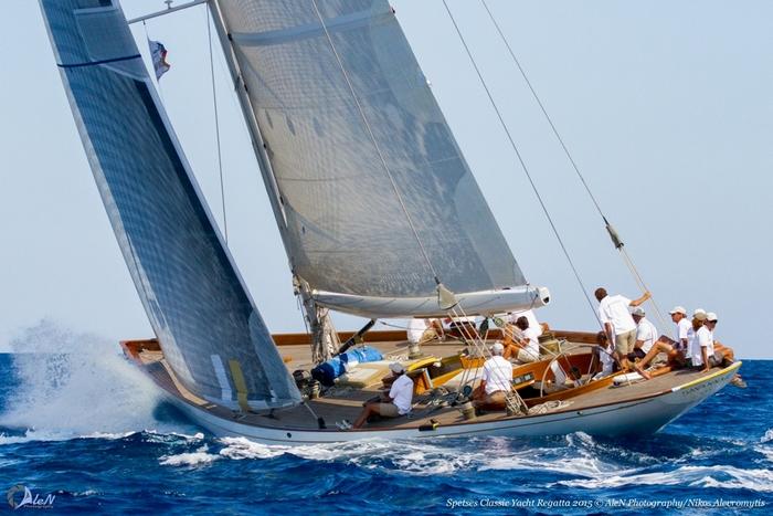 Το σκάφος Savannah με κυβερνήτη το Νίκο Λυκιαρδόπουλο που σάρωσε στα βραβεία κερδίζοντας και το overall στα κλασσικά σκάφη