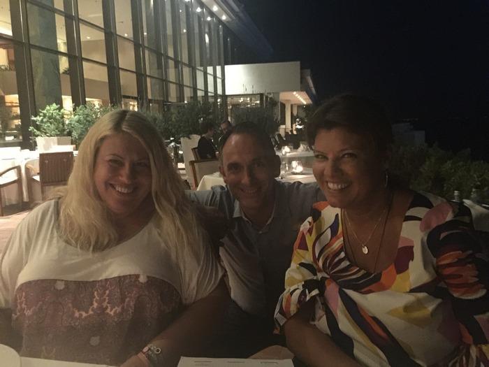 Με την Εύη Φέτση και τον Marketing & PR Manager του ξενοδοχείου, Λευτέρη Βαρελή. Χαμογελάμε...