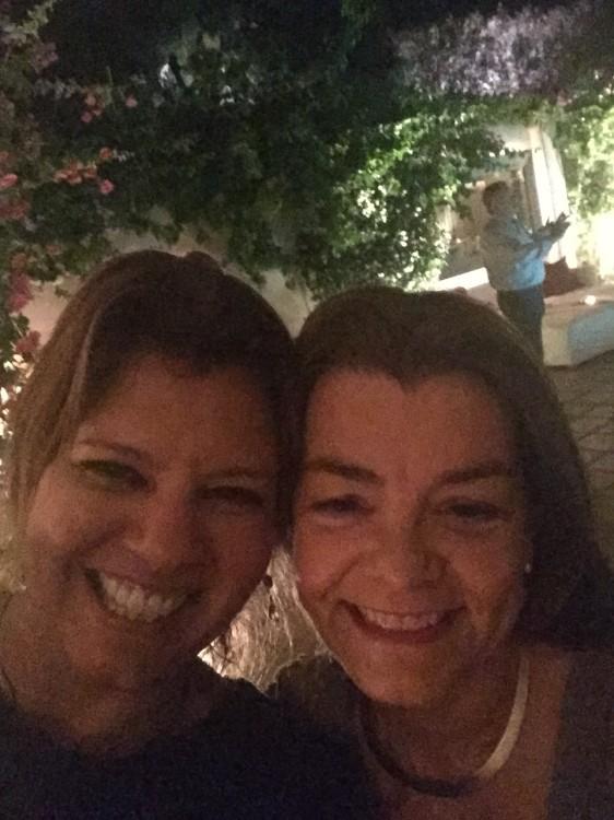 Mε την Τόνια Φάντη, αγαπημένη φίλη μας, και συνεργάτης της Βανέσσας Γερουλάνου. Για άλλη μία φορά, φοράω Vanile on the Rock earrings...