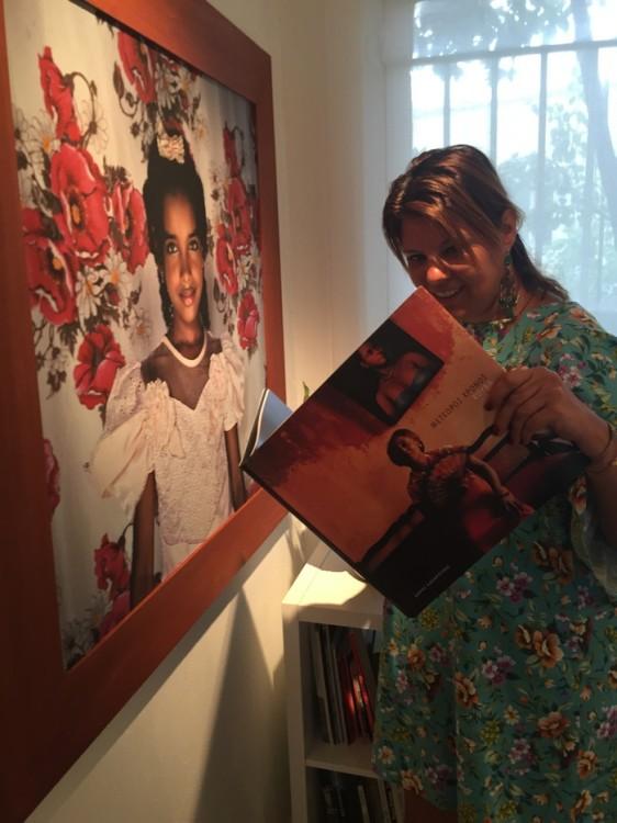 Το φωτογραφικό του έργο έχει δημοσιευθεί σε πολλά περιοδικά στην Ελλάδα και στο εξωτερικό. Το 1997 οι Εκδόσεις Φωτοχώρος δημοσίευσαν το φωτογραφικό του βιβλίο με τίτλο στις «On the timelines» και το 2003 οι Εκδόσεις Άπειρον εξέδωσαν το βιβλίο του με τίτλο «Suspended Time: A Cuban portrait». Το ίδιο βιβλίο εκδόθηκε επίσης από τις εκδόσεις Dewi Lewisτου Ηνωμένου Βασιλείου, τους Peliti Associati στην Ιταλία, τους Εdition Braus στη Γερμανία, τους Actes Sud στη Γαλλία και τους Lunwerg Editiones στην Ισπανία. «Ο αιωρούμενος χρόνος» κέρδισε το βραβείο «Μήλος» το 2004 για το καλλιτεχνικό βιβλίο της χρονιάς στην Ελλάδα.