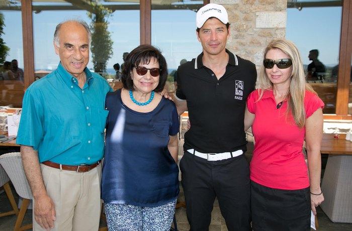 Εκπρόσωπος Ιδρύματος Ελπίδα Στέλιος Γραφάκος με τη σύζυγό του, Σάκης Ρουβάς και Κάτια Αβραμίδου , Νομική Σύμβουλος Aegean Airlines και Πρόεδρος Οργανωτικής Επιτροπής 10ου Aegean Airlines Pro-Am