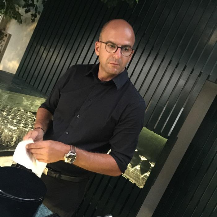 Ο bar tender του Palms με το εντυπωσιακό βιογραφικό, Πάνος Αναστασιάδης