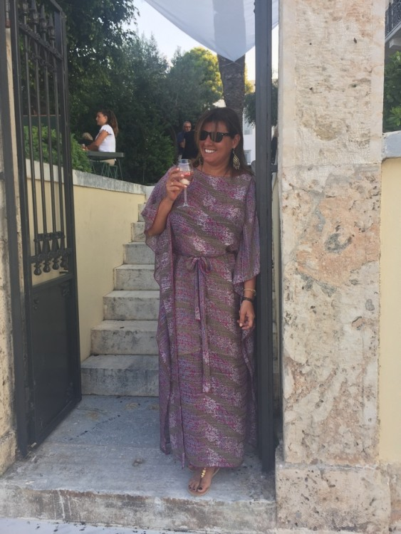 Φοράω το αγαπημένο μου καφτάνι -από τις See You Klio φυσικά!- και κοιτάζω αυθάδικα τον ήλιο, λίγο πριν πάει να ξεκουραστεί...