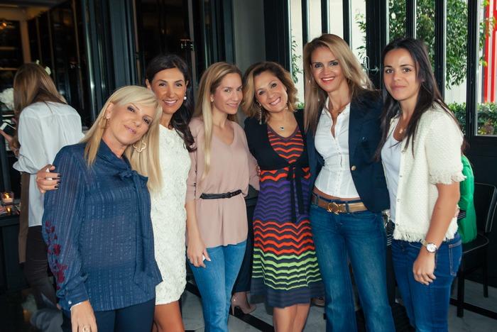Ελένη Τζέτζα, Άννα Μαρία Μπαρούχ, Έλλη Μάντις, Τζίνα Θανοπούλου, Μαρία Ψωμά, Μαρία Παρασκευά