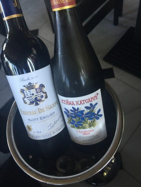 Δεν υφίσταται break με τις φίλες σου για lunch χωρίς το σωστό μπουκάλι κρασί. Και οι κουβέντες ξεκινάνε...