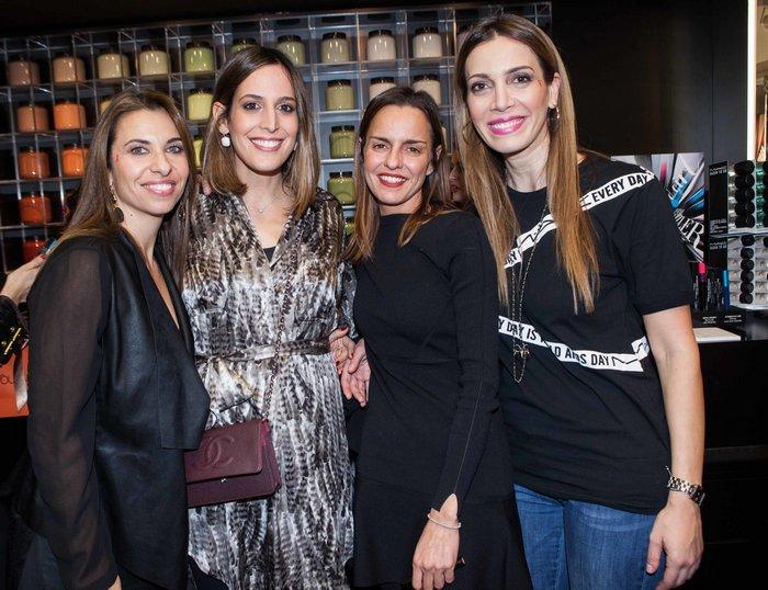 Έλια Κεντρωτά (M·A·C PR Manager), Μαρία Παπαθανασίου-Αρώνες (The Stellars), Κατερίνα Κιάσσου (M·A·C Brand Manager), Δήμητρα Λαζαράτου (The Stellars)