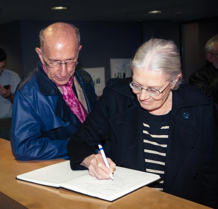 Μάρτιν Σέρμαν & Β. Ρεντγκρέιβ υπογράφουν το βιβλίο της παράστασης