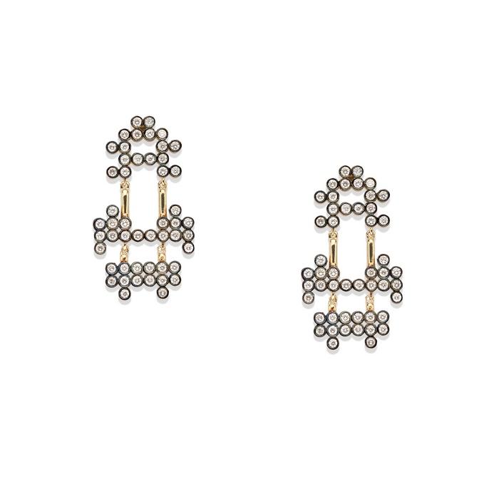 Σκουλαρίκια από κίτρινο και μαύρο χρυσό 18Κ, και λευκά brilliant-cut διαμάντια