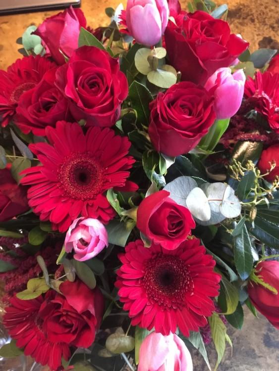 Απo το Flower Shop της Antoinetta Koutsouradi, φυσικά...