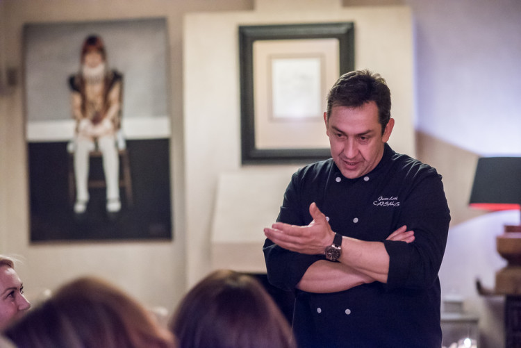 """Ο βραβευμένος chef Jean-Louis Capsalas, μας προλογίζει ένα συναρπαστικό δείπνο που ετοίμασε για εμάς με την υπογραφή την δική του για το """"Δειπνοσοφιστήριο"""""""