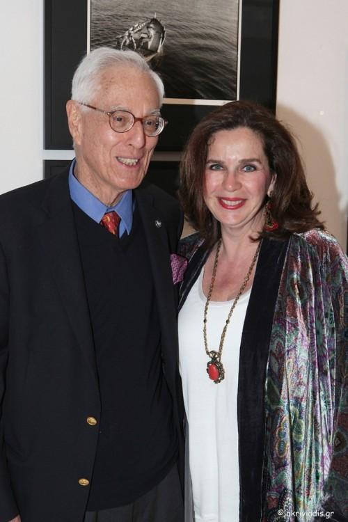 Ο φωτογράφος Robert ΜcCabe με την διευθύντρια της γκαλερί Citronne και ιστορικό τέχνης, Τατιάνα Σπινάρη – Πολλάλη