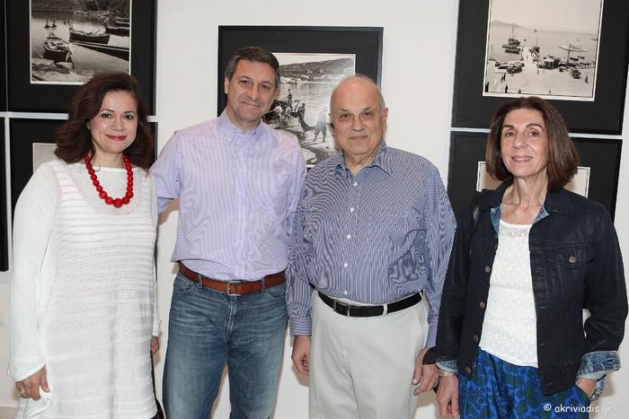 Η Αθηνά Δημοπούλου, ο Θανάσης Πηλιούνης, ο Σπύρος Πολλάλης και η Λάρυ Φέλιου.