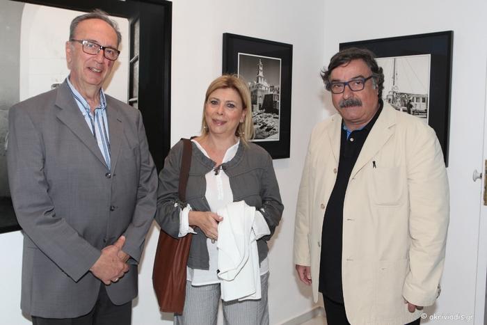 Ο τέως Υπουργός Παιδείας, Γιώργος Καλός, με τη Σίλα Αλεξίου και το Γιάννη Προβή.