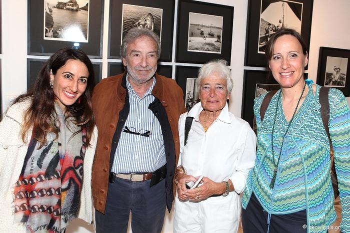 Η Ann McCabe με τον αντιπρόεδρο του Ελληνικού Συνδέσμου Παραδοσιακών Σκαφών, Μάνο Βερνίκο, τη γραμματέα του Ελληνικού Συνδέσμου Παραδοσιακών Σκαφών, Αννίκα Μπαρμπαρήγου και την Κατερίνα Λυμπεροπούλου