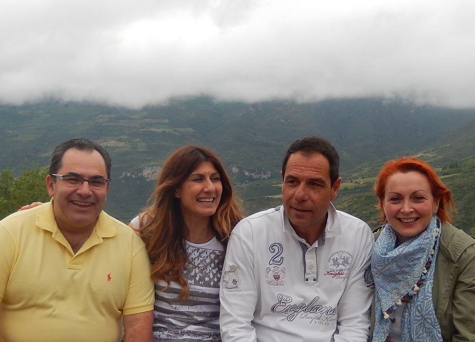 Ο Επαμεινώνδας Χριστόπουλος & η Έλενα Κεφάλα μαζί με τους οικοδεσπότες μας, τον Βλάση Πολυχρονόπουλο και την Δέσποινα Φαρασοπούλου
