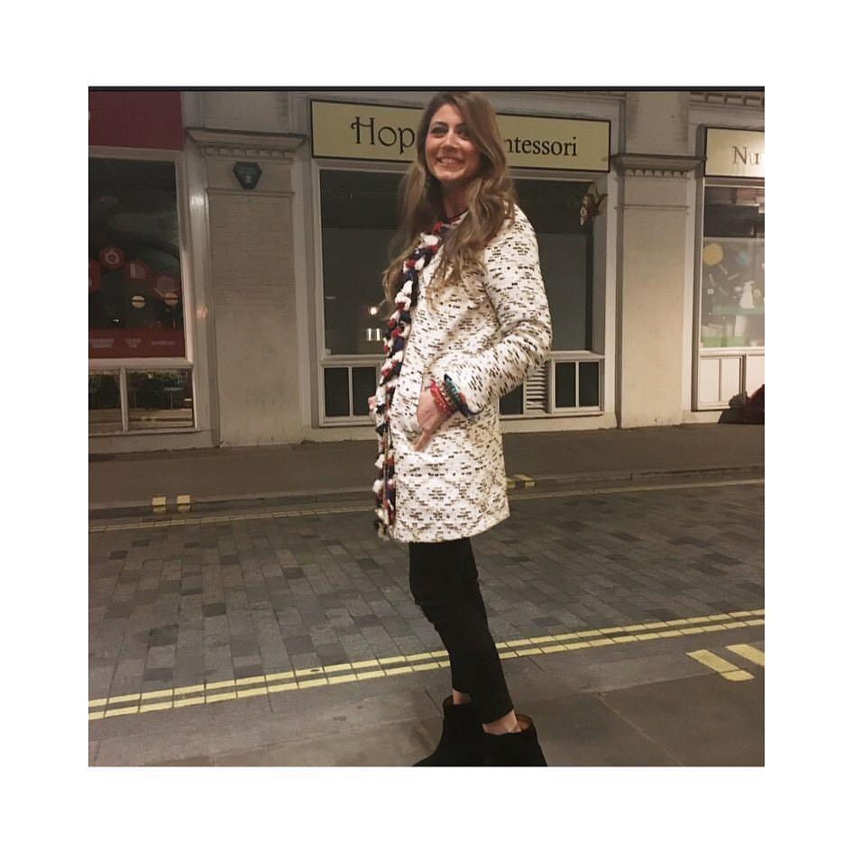 H Αντωνία στους δρόμους του Λονδίνου, η οποία ταξίδεψε για να ζήσεις μέρος των εορτασμών των 100 χρόνων της βρετανικής Vogue!