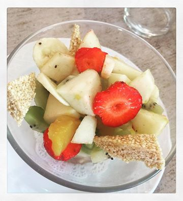 Fruit salad for a light but yummy lunch...