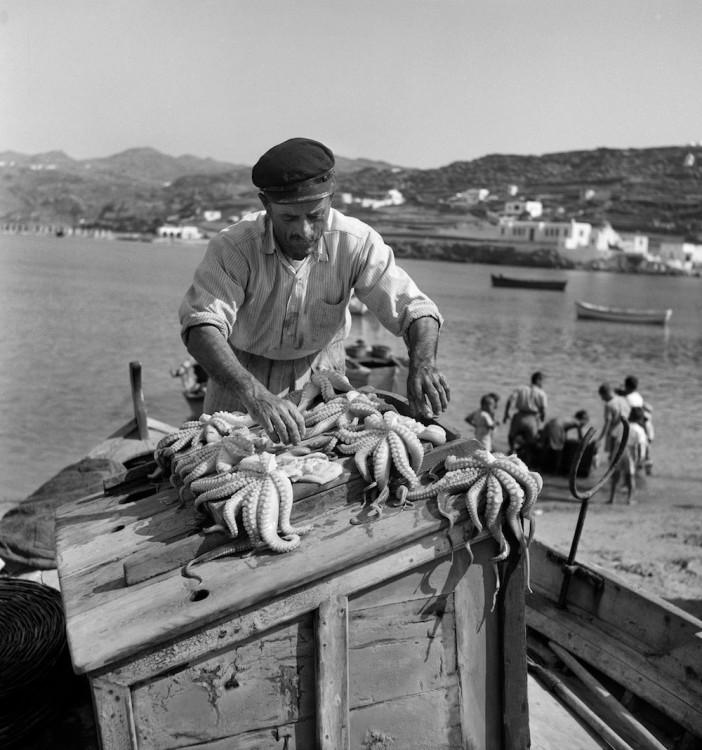 Πέτρος Μπρούσαλης, Μύκονος, περ.1965 © Φωτογραφικό Αρχείο Μουσείου Μπενάκη