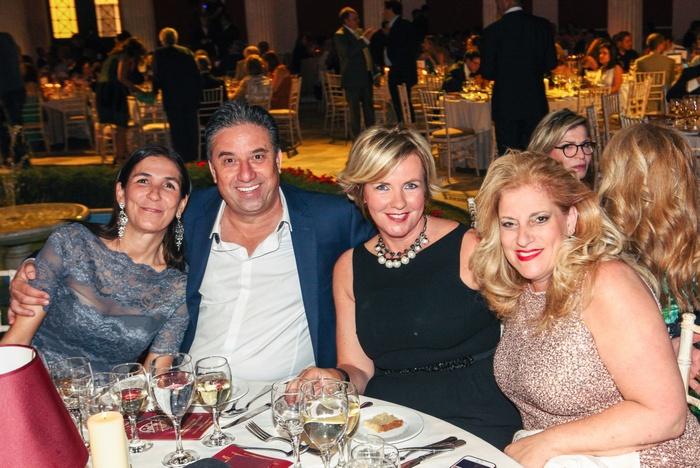 H Gabriella calini με τους ιδρυτές των Make-A-Wish Israel κο και κα Avi Bar-Aharon Και Make-A-Wish Italy Sune Fontani