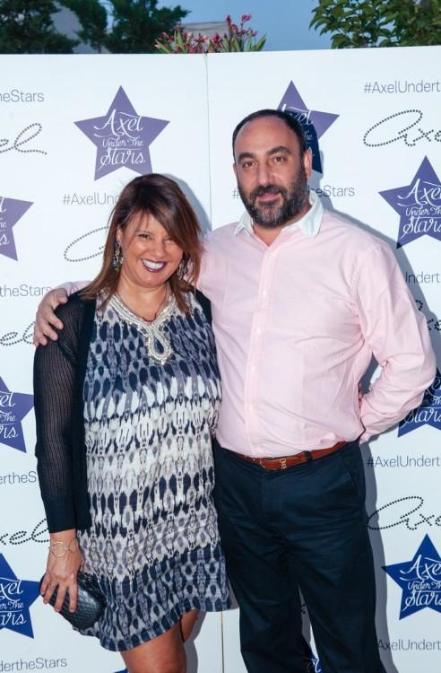 Η δημοσιογράφος κ.Φαίη Μπέη του fayscontrol.gr με το σύζυγό της κ.Νικόλα Κατσαρό