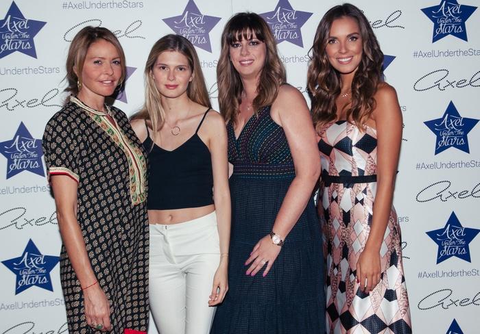 Η κ.Τζένη Μπαλατσινού με την κόρη της Αμαλία Κωστοπούλου, την CEO Managing Director της Axel κ.Ιφιγένεια Κουτσουβέλη και την Axel Woman Alessia Reato