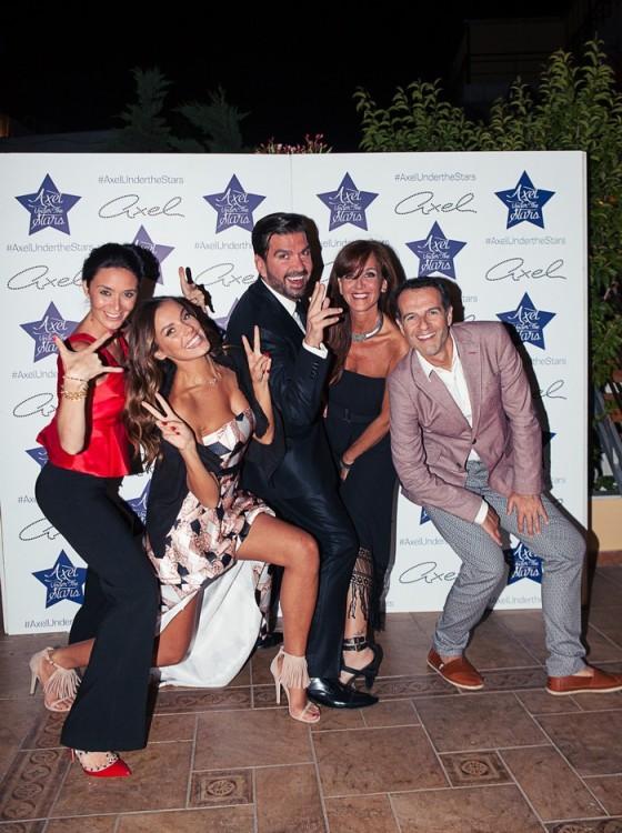 Η Axel Woman Alessia Reato, η manager της κ.Mimina Cornacchia, ο PR & Communications Manager της Axel κ.Στέλιος Καφαντάρης, η Marketing Manager της Axel κ.Αγγελική Σάπικα και ο Διευθυντής σύνταξης του περιοδικού Hello κ.Άρης Καβατζίκης