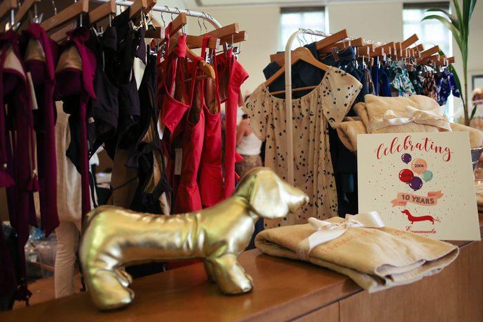 Η Εμμανουέλα Λύκου γιορτάζει μαζί μας τα 10 χρόνια του λατρεμένου brand Emmanouela Swimwear!