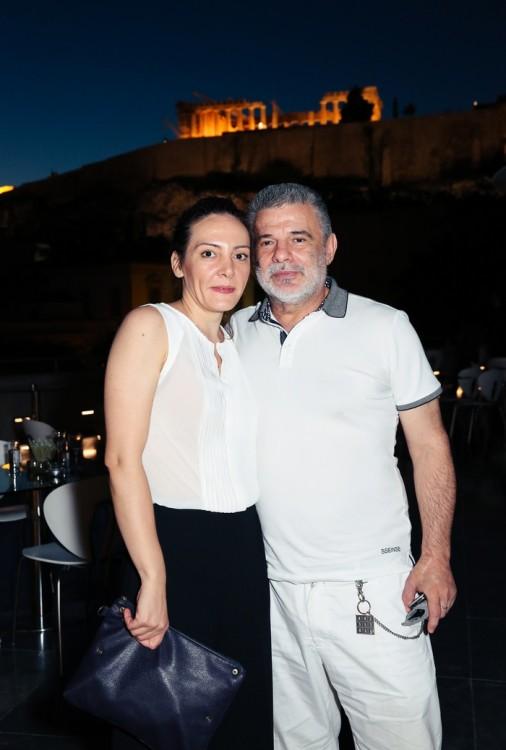 ΛΩΡΥ ΚΟΜΝΗΝΟΥ, KIRIOS CRITON