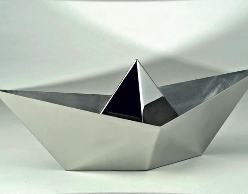 _Utopia 3_ 65 x 30 x 27 cm, stainless steel