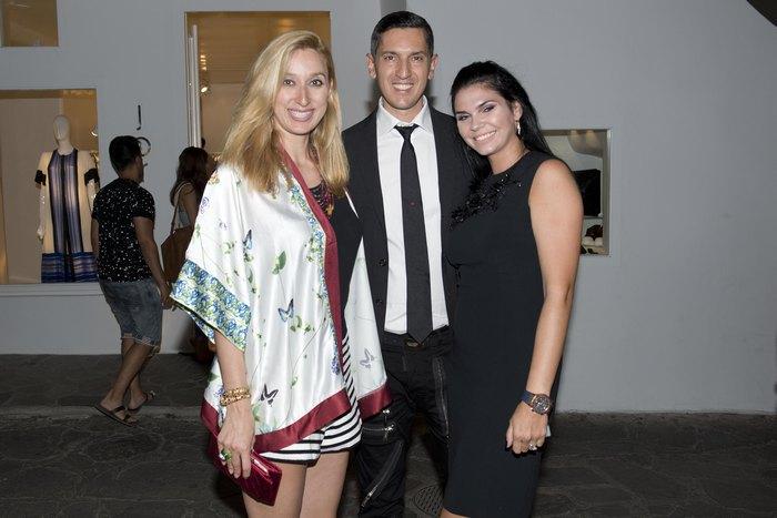 Η Έλενα Ντάβλα με τον Γρηγόρη Γκόφα και τη συζυγό του