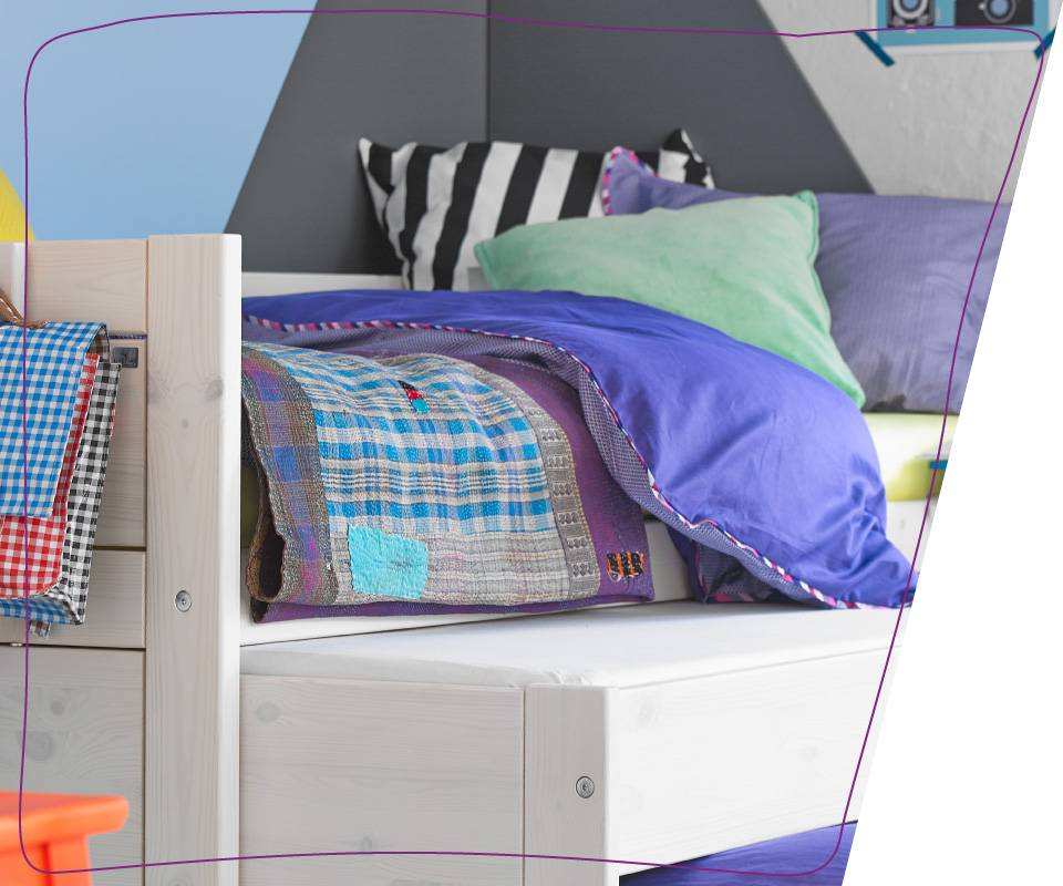 Modern day apartments or children bedrooms are seldom characterized as spacious; indeed, space is too precious to be spent. Our cabin – bed, with its space-saving extension offers you a practical and versatile guest bed as well as a bed drawer.
