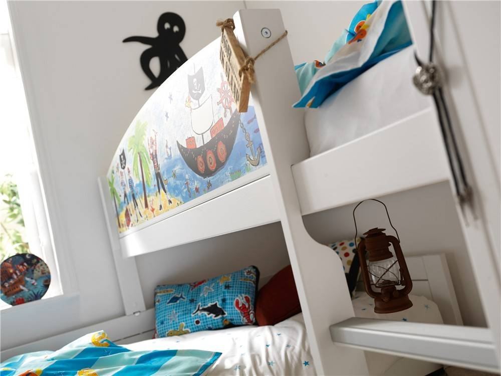 Pirates had always been adaptive! Our Pirate theme allows you to create your own bed combination with its adventurous bed front. Explore all different bed arrangements and make the most of the bedroom's space. After all, pirates are captains of their own ship!