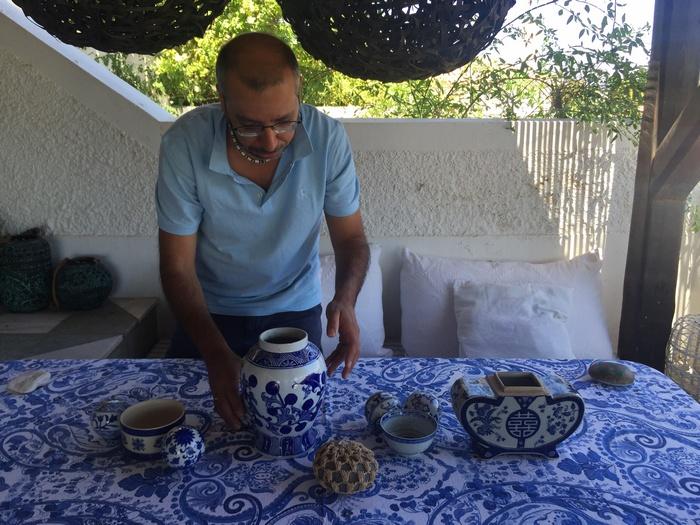 Ο Γιώργος Κουτσουράδης ξεκινάει να στήνει το σκηνικό που ονειρεύτηκε...