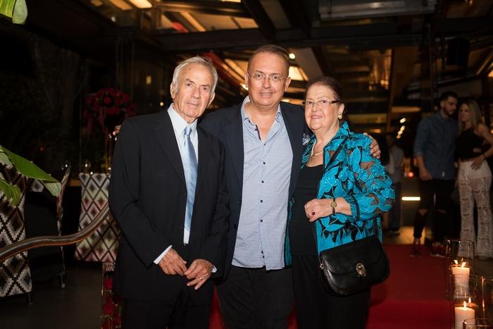 Ο Γιάννης Καζανίδης με τους γονείς του Γιώργο & Μαρίτσα