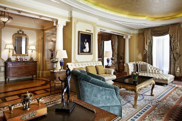 """Η Προεδρική Σουίτα του Ξενοδοχείου """"Μ. Βρεττανία"""""""