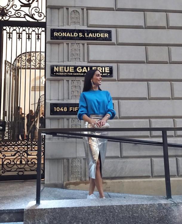 H Ισμήνη έξω από την Neue Gallery, 1048 Fifth Avenue, NY 10028...
