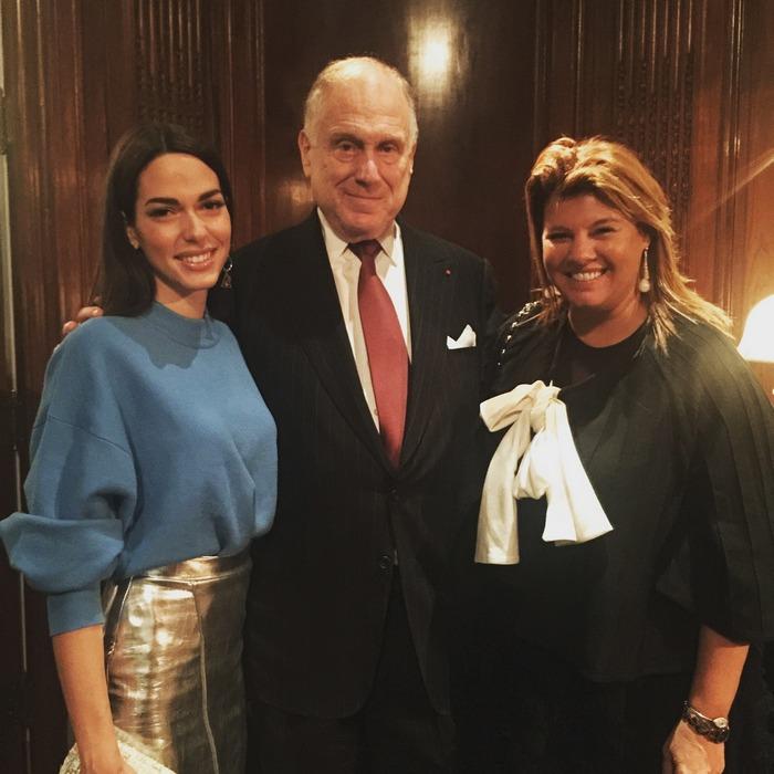 """Η Ισμήμη και εγώ με τον Ronald Lauder. """"Μπορεί να είστε και οι μοναδικές Ελληνίδες που φωτογραφίζεστε μαζί του..."""" μας λέει η Μάρσια Χατζηγεωργίου, PR & Digital Manager της Estee Lauder Greece"""