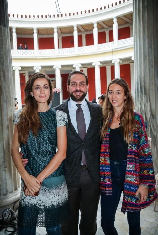 H Βερονίκη Χαριτάτου με τον Ερρίκο Αρώνες και την Τίνα Φιλιππίδη