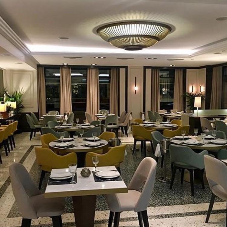 Koursaros Kolonaki new fish restaurant. Elegant interior design, fish 'n Sushi Fusion cuisine