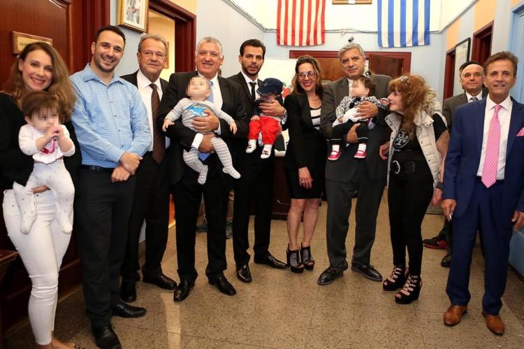 Στιγμιότυπο από την εκδήλωση. Ανάμεσα στους ομιλητές της διημερίδας ήταν τρία ζευγάρια που απέκτησαν παιδί με εξωσωματική γονιμοποίηση στην Ελλάδα, μετά πολλές αποτυχημένες προσπάθειες σε άλλες χώρες.