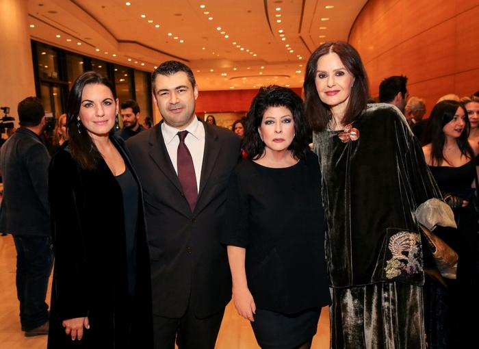 Η Όλγα Κεφαλογιάννη και η Κάτια Δανδουλάκη με τον Δημήτρη Ηλιόπουλο και την Άννη Ηλιοπούλου.