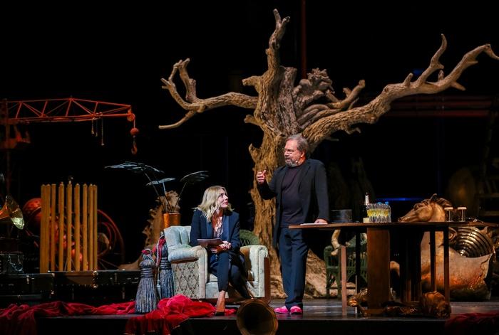 Η Σμαράγδα Καρύδη και ο Σταμάτης Φασουλής μας παρέσυραν σε μια απολαυστική θεατρική ιστορία 40 χρόνων.