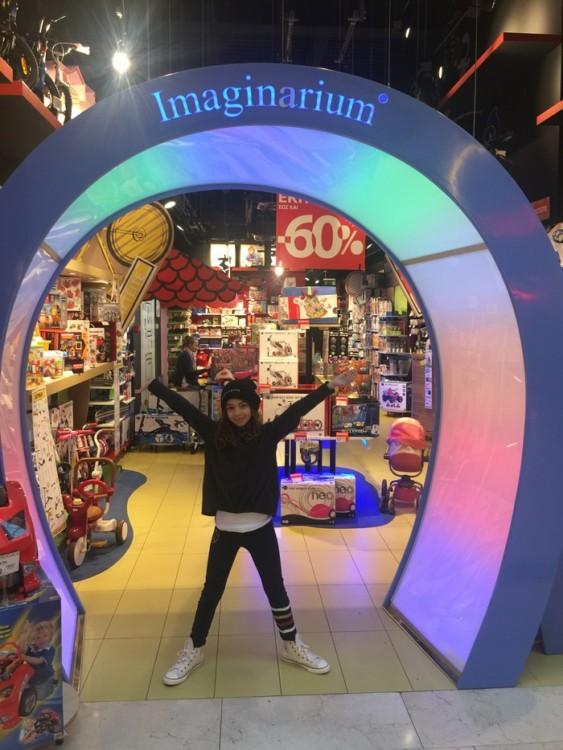 Και πάμε για παιγχνίδια στο αγαπημένο της Imaginarium...