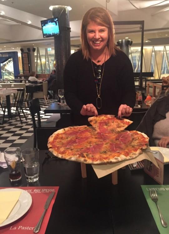 Και Pizza Prosciutto e Funghi!