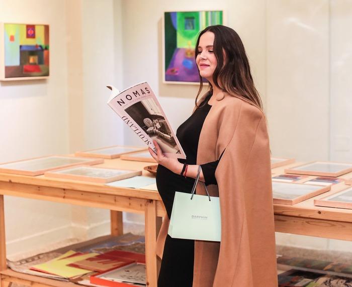 Η Ελιάνα Χρυσικοπούλου διαβάζει το τελευταίο τεύχος του διεθνούς Νomas στο βιβλιοπωλείο ''Το Ροδακιό''