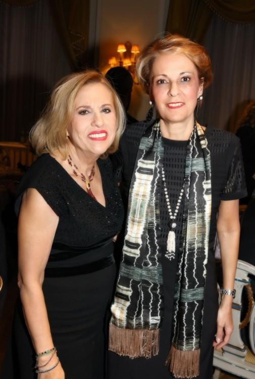 Οι μεγάλες κυρίες των δημοσίων σχέσεων Λόλα Νταϊφά (Star Channel) και Χριστίνα Παπαθανασίου («Μεγάλη Βρεταννία»).