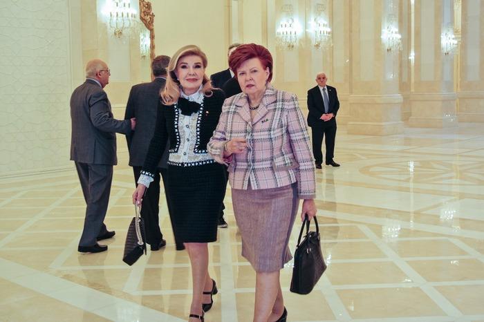 Μαριάννα Β. Βαρδινογιάννη με την πρώην Πρόεδρο της Λετονίας, κυρία Vaira Vīķe-Freiberga