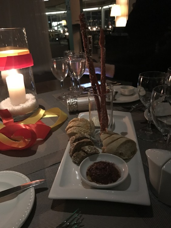 Στο πλαίσιο της ιδέας «Κουζίνες του Κόσμου» το Ξενοδοχείο St.George Lycabettus σε συνεργασία με το Γραφείο Οικονομικών & Εμπορικών Υποθέσεων της Ισπανικής Πρεσβείας παρουσιάζουν από την Τρίτη 14 Μαρτίου έως την Παρασκευή 31 Μαρτίου, το Φεστιβάλ Ισπανικής Γαστρονομίας...