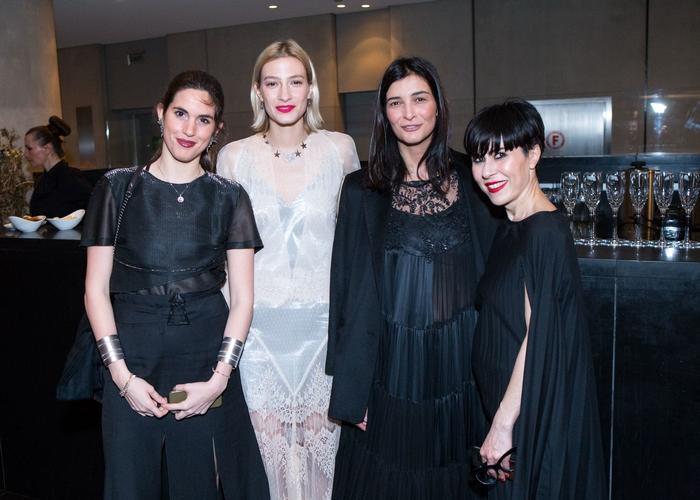 Αναστασία Καίσαρη, Ισμήνη Παπαβλασοπούλου, Αντιγόνη Κουλουκάκου, Αλεξάνδρα Σπυριδοπούλου, MAC senior artist.